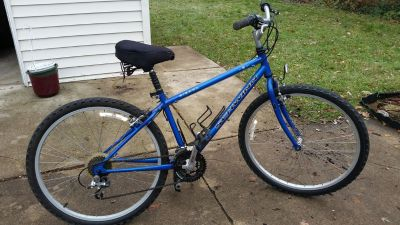 1998 Schwinn Sierra Women's Hybrid 21 Speed Bicycle