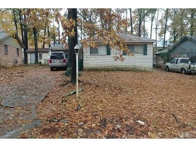 1.5 Bath Preforeclosure Property in Little Rock, AR 72209 - Keats Dr