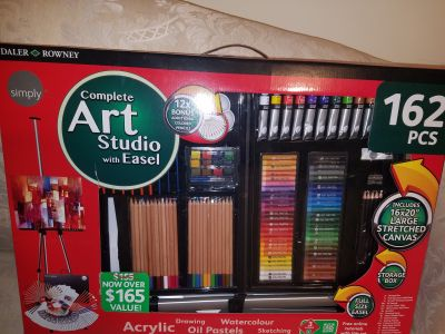 Art set with Easel