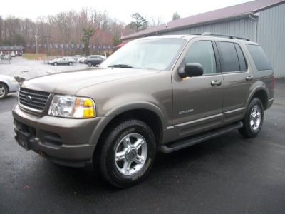 2002 Ford Explorer XLT (Gold)