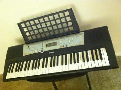 $75 OBO Yamaha PSR-E203 Keyboard