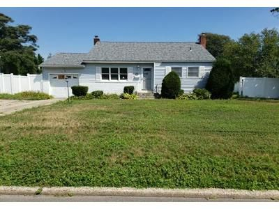 3 Bed 1.1 Bath Foreclosure Property in Bayport, NY 11705 - Bayview Ave