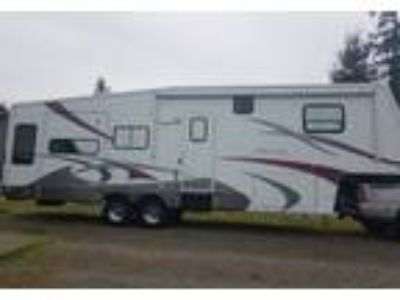 2006 Alpenlite Limited 5th Wheel in Rochester, WA