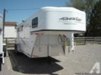 2013 Trails West 4 horse Adventure MX- Financing available