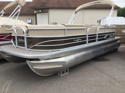 2018 Sun Tracker Party Barge 22 Pontoons Boats Gaylord, MI