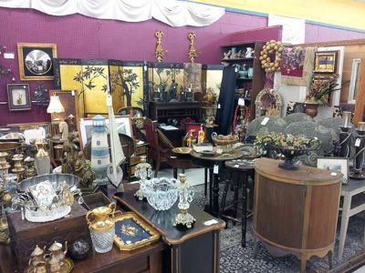 Antique Dealer Moving out of State, Alvin Antique Center