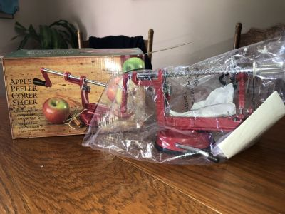 Apple Peeler and slicer NEW