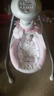 Fisher price baby girl swing. seat can also be turned