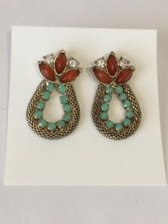 Vintage Crystal accent earrings