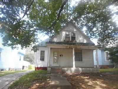3 Bed 1 Bath Foreclosure Property in Saint Joseph, MO 64507 - Lafayette St