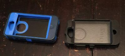 $20, 2 Otter Boxes w Clips iphone 4 or 4s