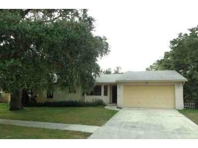 3 Bed 2 Bath Foreclosure Property in Sarasota, FL 34232 - Wood Oak Dr
