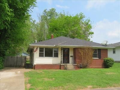 3 Bed 2 Bath Foreclosure Property in Evansville, IN 47711 - E Illinois St