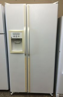 GE 22cu.ft Side by Side Refrigerator in White