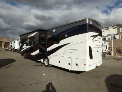 2018 Holiday Rambler Vacationer 35K Motor Home Class A  Stock Number: 170907  One and a half baths,