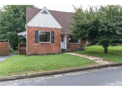 4 Bed 1 Bath Foreclosure Property in Woodstock, VA 22664 - W Foundry St