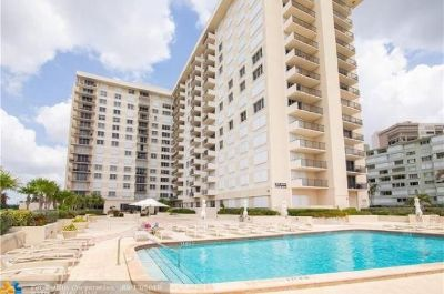 DIRECT OCEAN VIEWS FROM THIS TASTEFULLY UPDATED 1 BEDROOM 1.5 BATH CONDO!