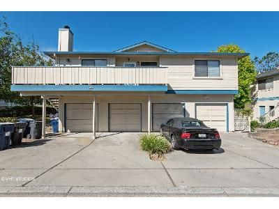 3 Bed 2 Bath Foreclosure Property in Watsonville, CA 95076 - Silver Leaf Dr Apt B