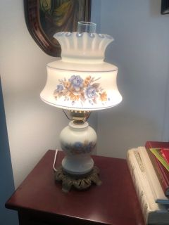 Beautiful Hurricane Lamp... 19 to top of lamp... 20.5 to top of chimney..