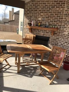 Patio Table w/6 chairs and umbrella