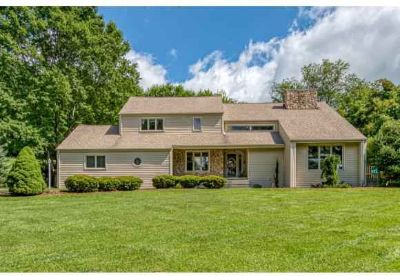 60 Fairway Dr Abingdon Four BR, Check out this well maintained