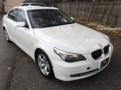 2008 BMW 5-Series 528i (Alpine White)