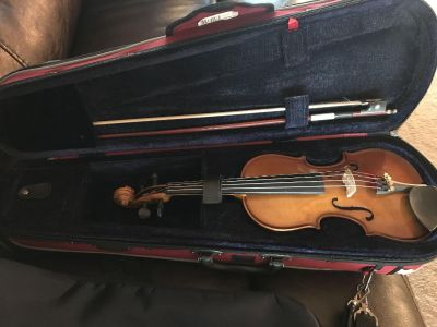 Stentor 1/8 size violin. Great condition