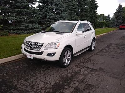 2010 Mercedes-Benz M-Class ML350 4MATIC (Arctic White)