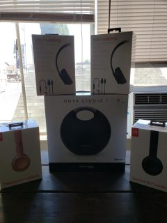 Solo 3 beats from dre 4 pair 160 each