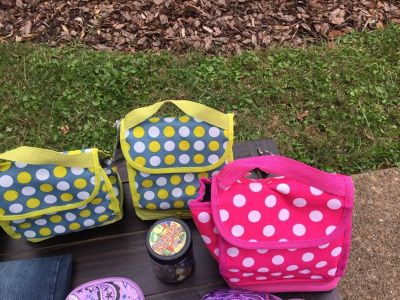 Insulated lunchboxes