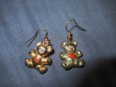Bear pierced earrings