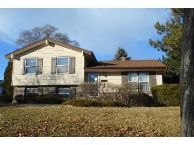 3 Bed 2 Bath Preforeclosure Property in Milwaukee, WI 53224 - N 90th Blvd