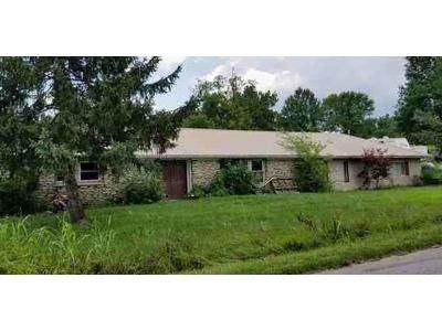 3 Bed 2 Bath Foreclosure Property in Frankfort, KY 40601 - Owenton Rd