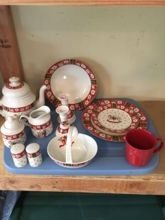 Christmas Dinnerware and Accessories.