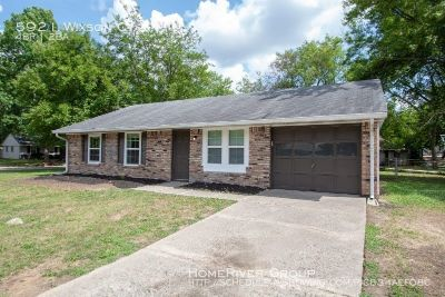 Great West Indy Ranch with fenced yard!