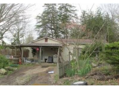 2 Bed 1 Bath Foreclosure Property in Winchester, KY 40391 - Irvine Rd