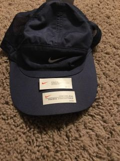 Youth girls Nike hat. New w tags