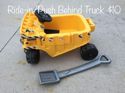 Ride-in/Push Behind Truck