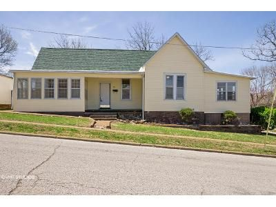 3 Bed 2 Bath Foreclosure Property in West Plains, MO 65775 - Summit St