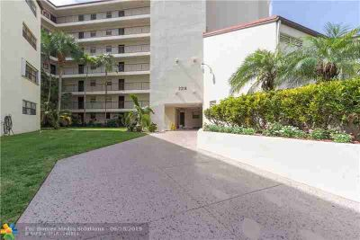 2314 S Cypress Bend Dr 714 POMPANO BEACH One BR