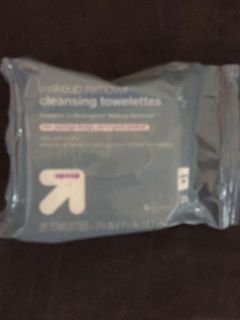 Up&up makeup remover towelettes