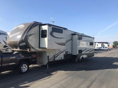 2015 Grand Design Solitude 305RE