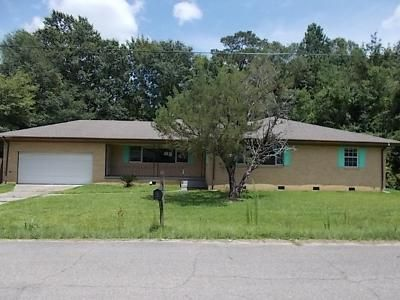 3 Bed 2 Bath Foreclosure Property in Picayune, MS 39466 - N Steele Ave