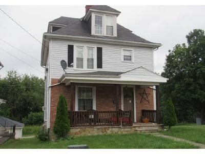 5 Bed 1 Bath Foreclosure Property in Mount Pleasant, PA 15666 - Center Ave