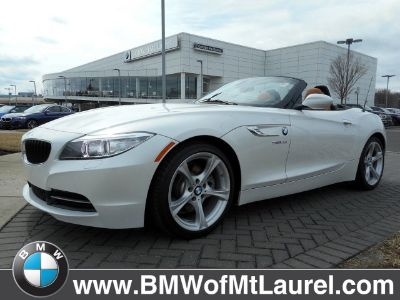 2016 BMW Z4 sDrive28i (Mineral White Metallic)