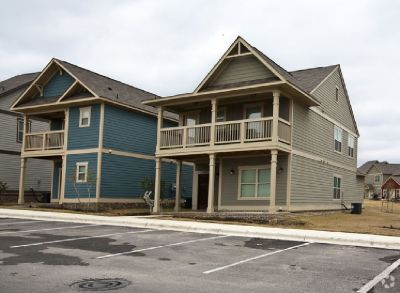 1 BEDROOM IN 3X3 AVAILABLE ASAP **WILL PAY NOV & DEC RENT**