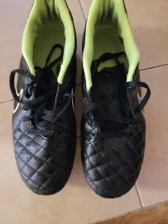 Mens outdoor Nike soccer shoes