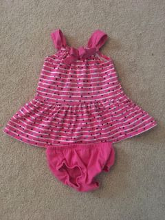 9 month dress .. really cute on excellent condition