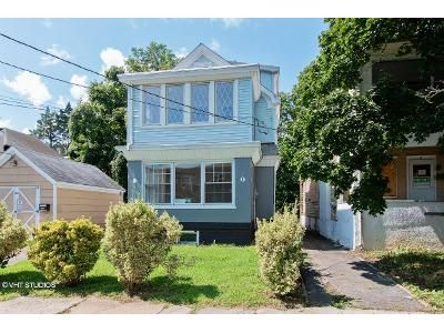 4 Bed 3.5 Bath Foreclosure Property in Trenton, NJ 08618 - Beechwood Ave