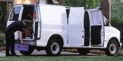 2001 Chevrolet Express 2500 G2500 (Summit White)